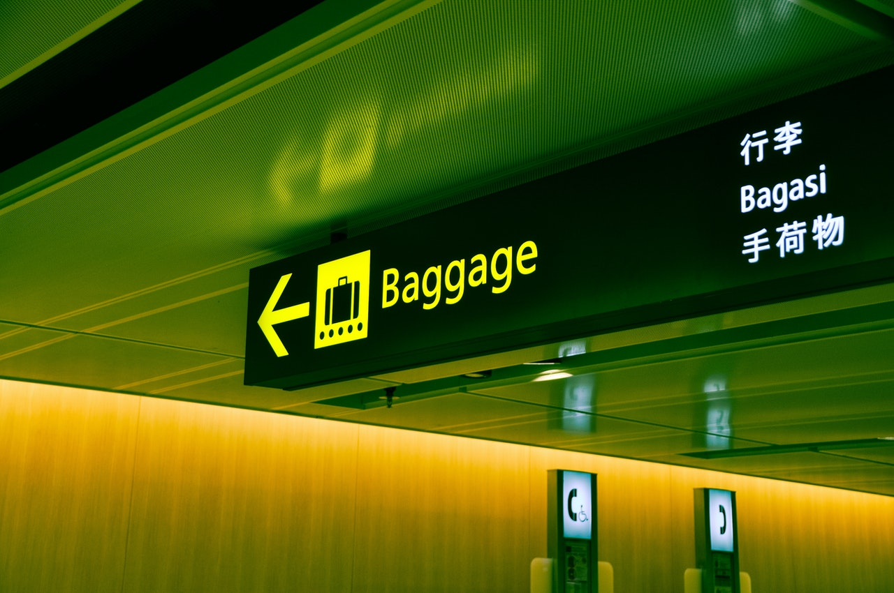 airport baggage sign